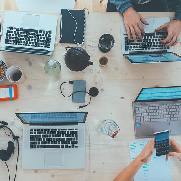 Marketing: contratar agência ou equipe interna?
