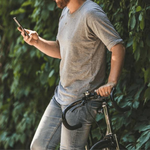 Conheça a história das mensagens SMS