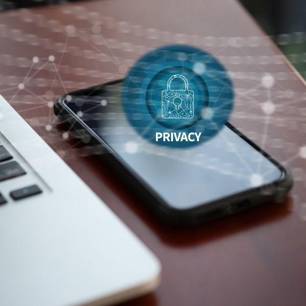 Como informar sobre seus clientes sobre a LGPD por SMS