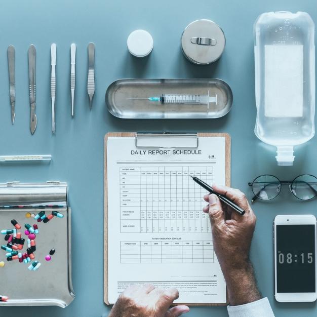12 modelos de SMS para a área da saúde