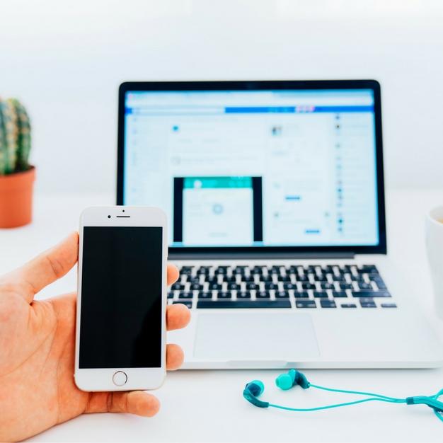 Marketing por SMS ou pelo Facebook: qual escolher?